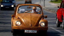 Retired man from Bosnia covers Volkswagen Beetle with 50,000 pieces of oak