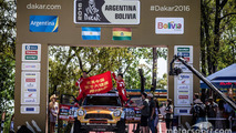 11 spectators injured in Dakar prologue accident