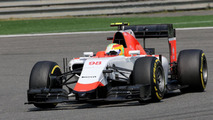 Manor 'not worthy of F1' - Villeneuve