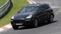 2015 Porsche Cayenne spy photo