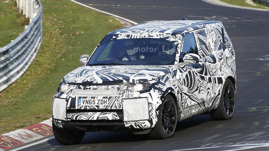 2017 Land Rover Discovery caught on video at the Nürburgring
