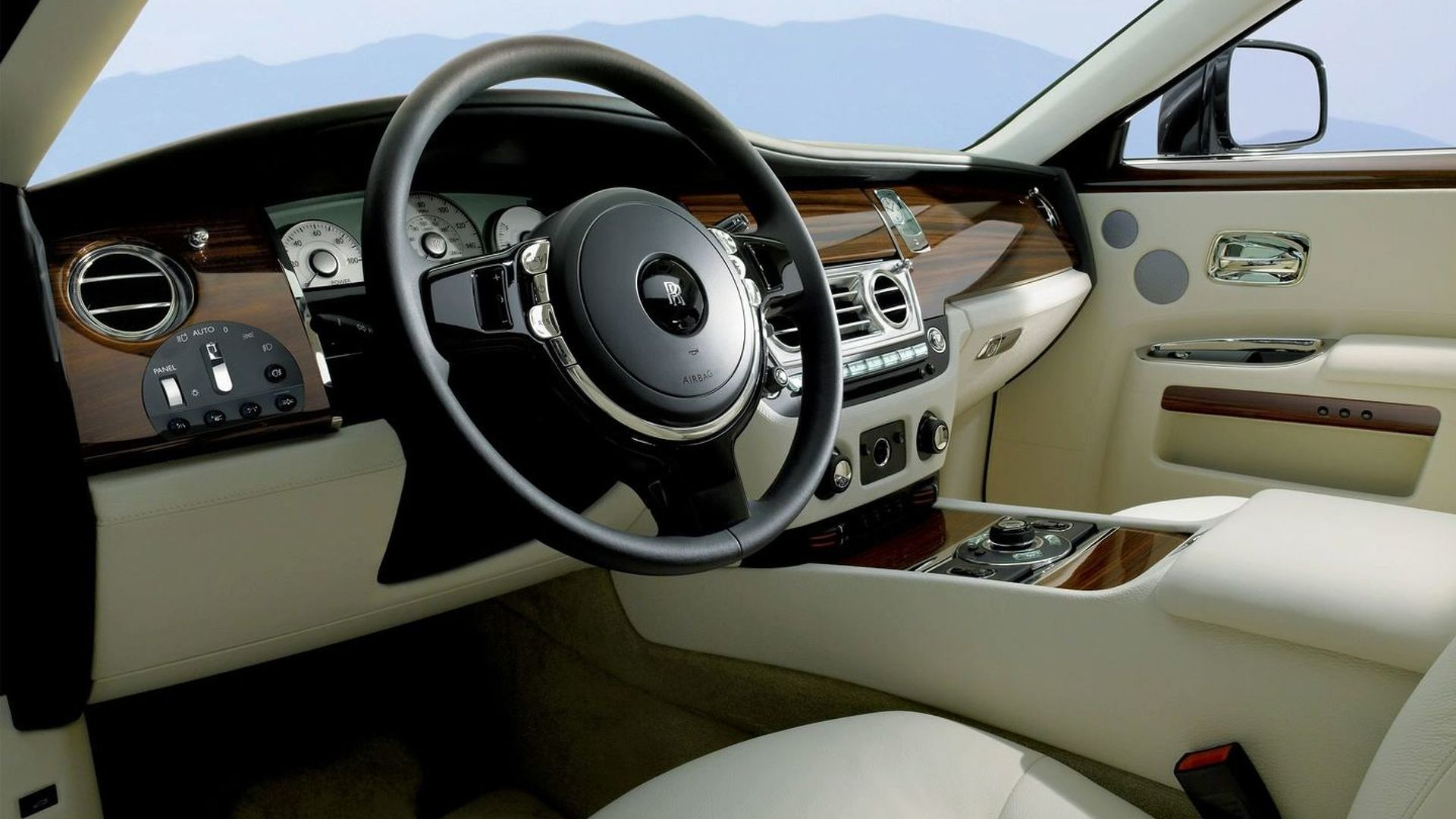Rolls Royce Ghost Officially Revealed
