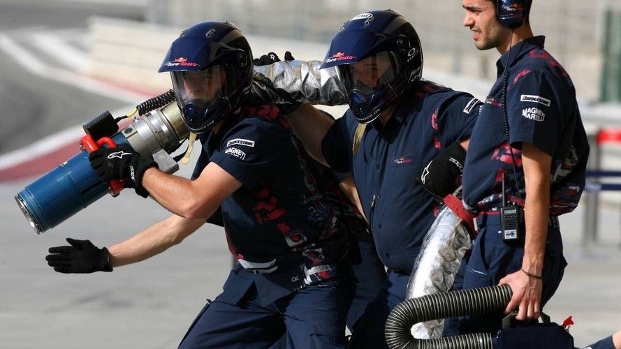 Jury out after 2010 refuelling ban debut