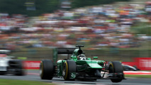 Caterham confirms Kobayashi return