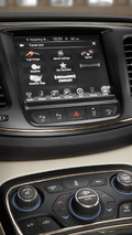 2015 Chrysler 200 revealed, offers two engines & optional all-wheel drive system