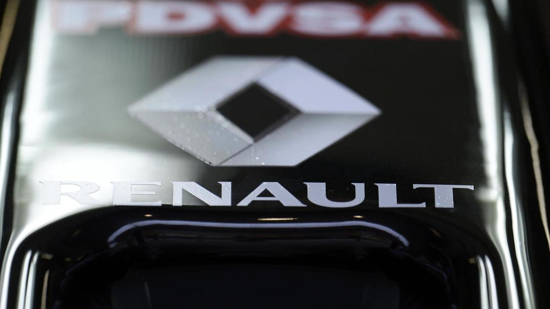 Lotus isolated as non-paying Renault team