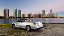 Chrysler 200 Convertible goes topless in the second city