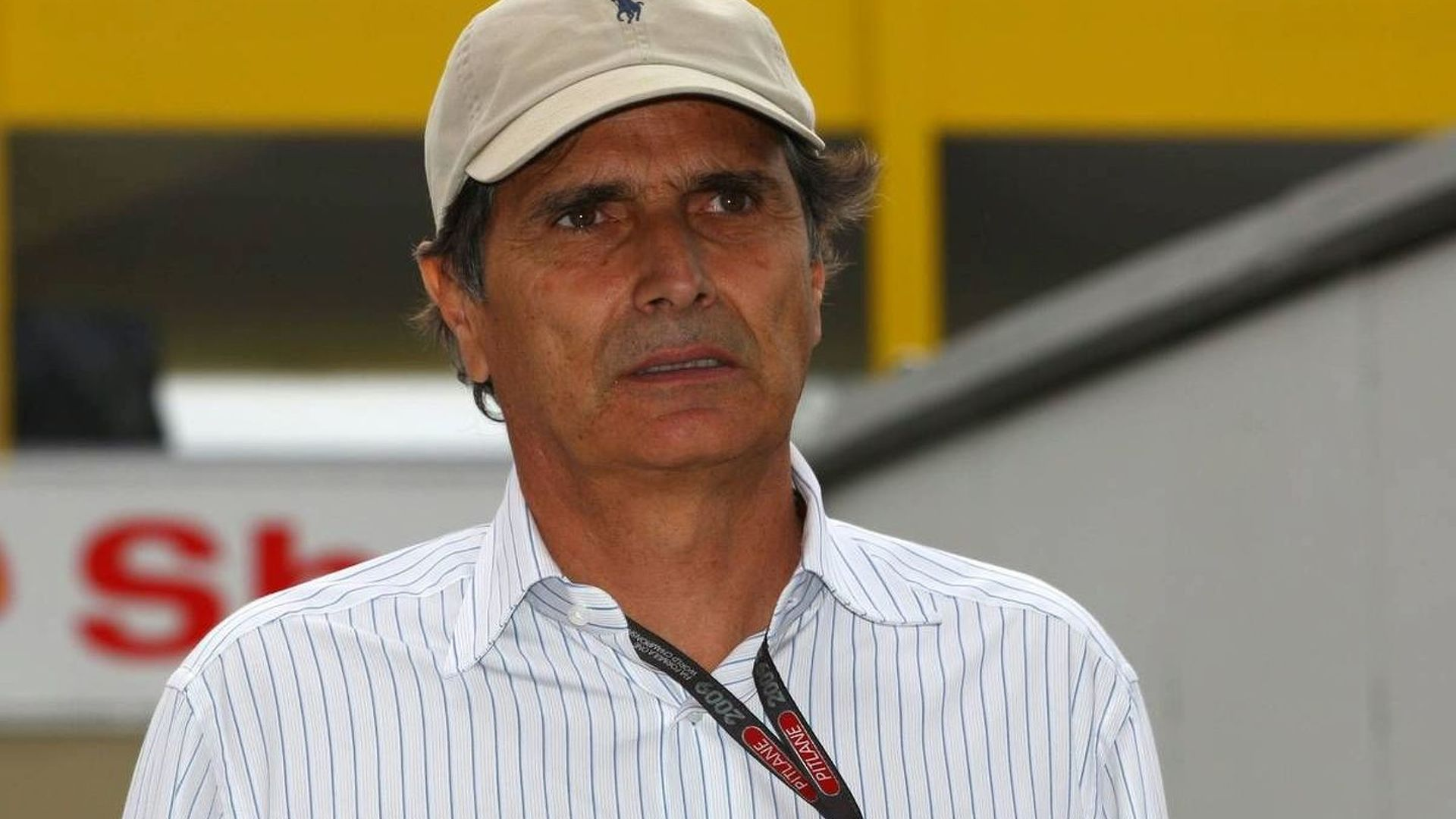 Piquet looking for work for ousted son