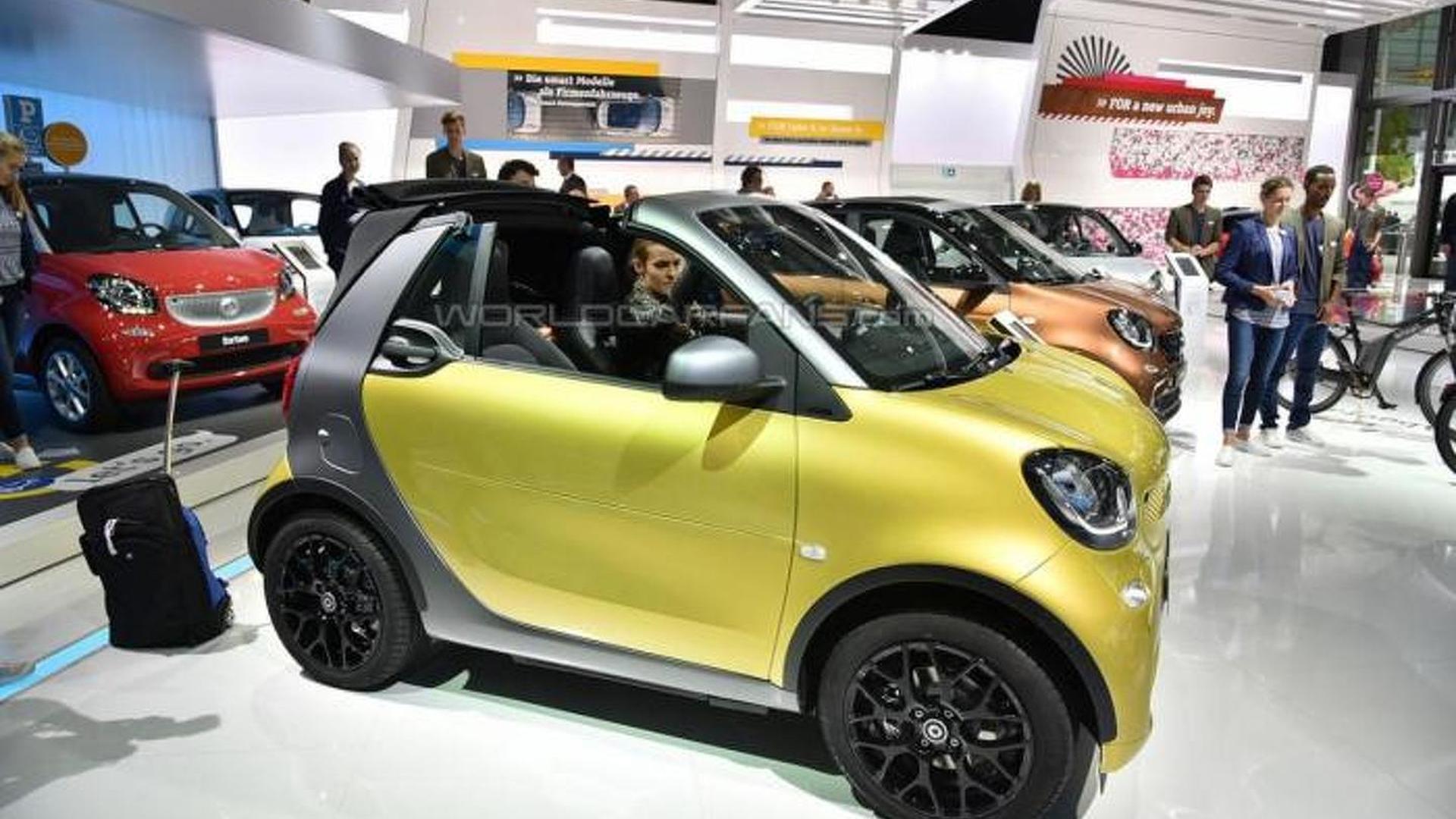 Smart ForTwo Cabrio arrives in Frankfurt
