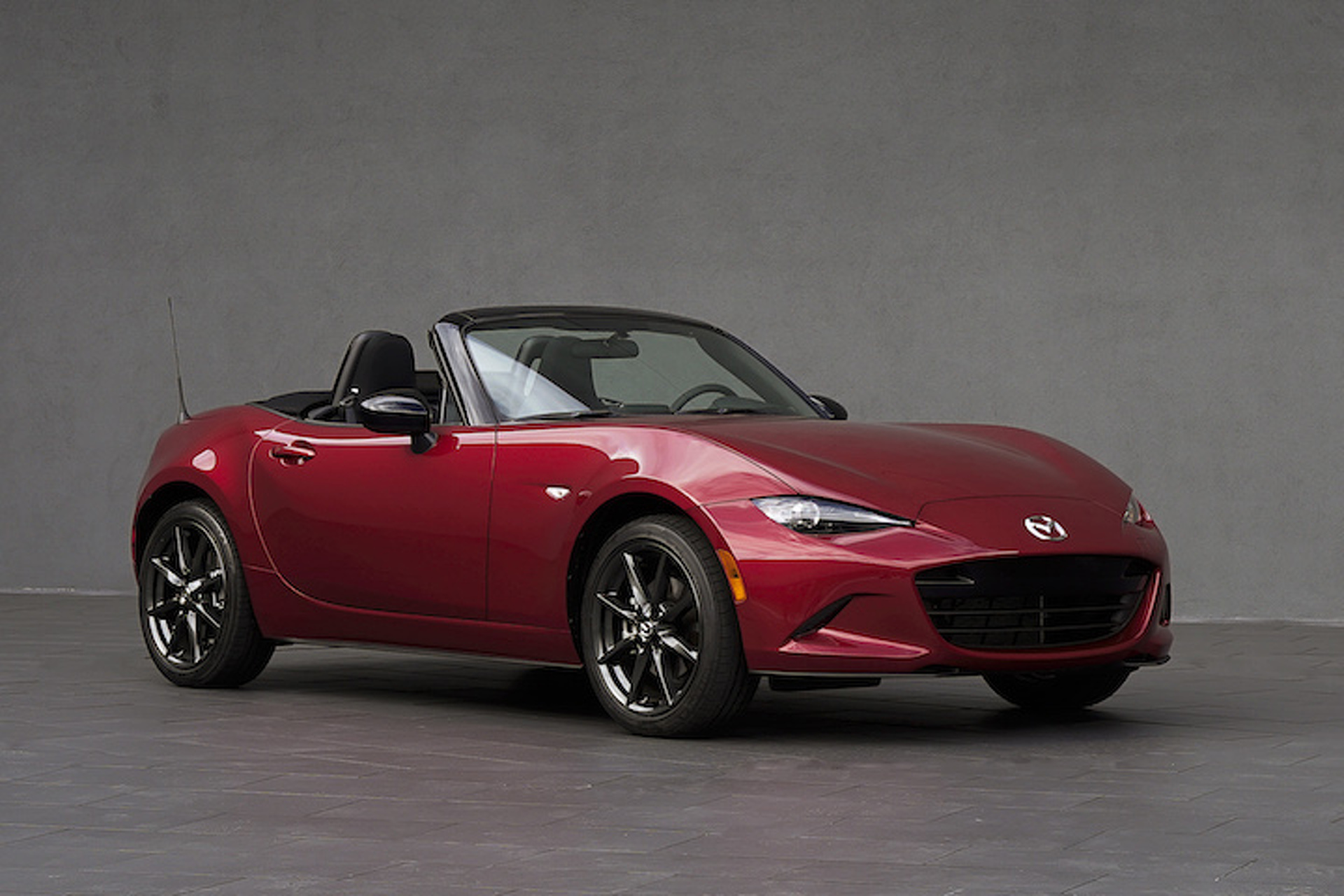 Mazda Won't Build a More Powerful MX-5, But That's Good News For Fiat