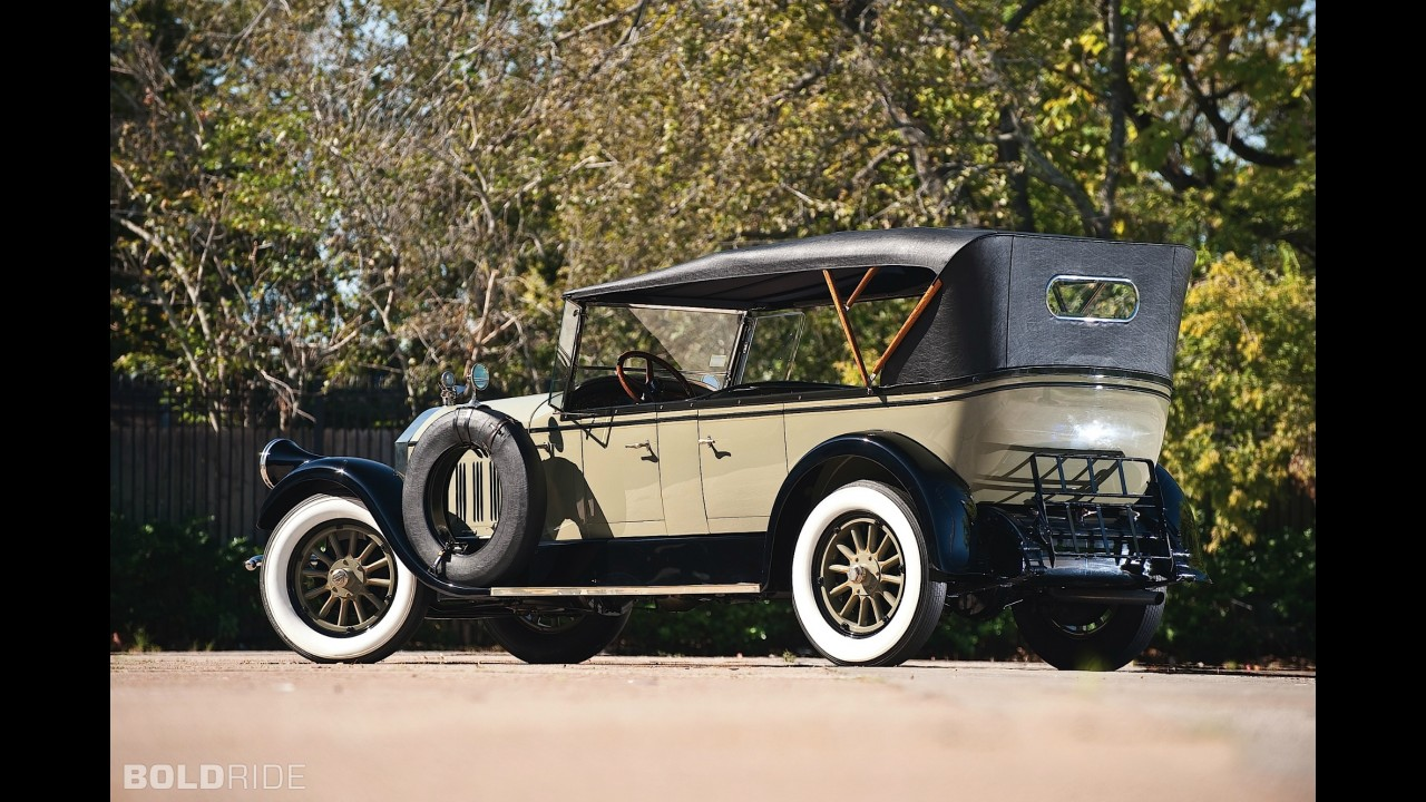 Pierce-Arrow Model 36 7-Passenger Touring