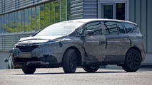 Next-gen Renault Espace spied with less camouflage