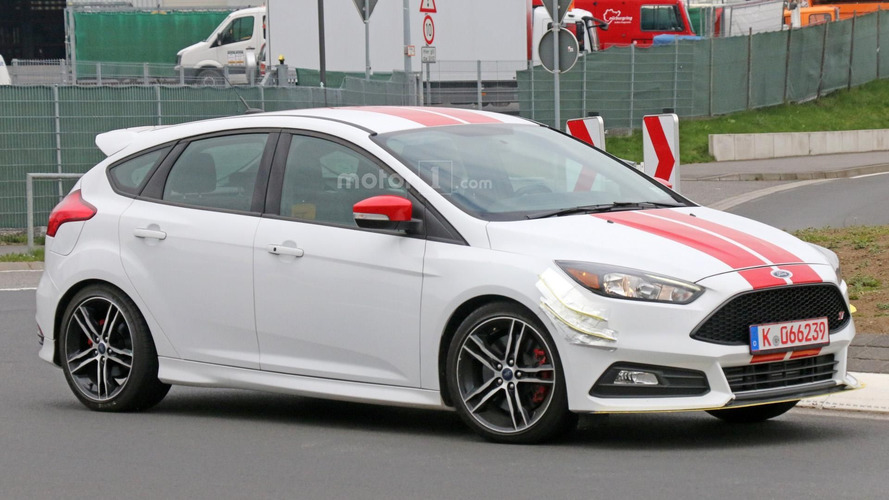 Hot Ford Focus ST prototype spied near the Nürburgring