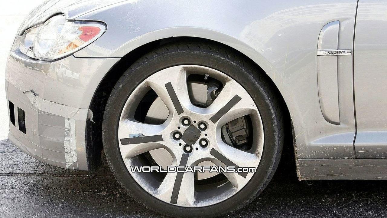 Jaguar XF-R Spied Again in Death Valley