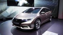 Honda Civic Tourer concept live in Geneva 05.3.2013