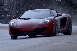 Video: McLaren 12C Spider vs. Professional Snowboarder