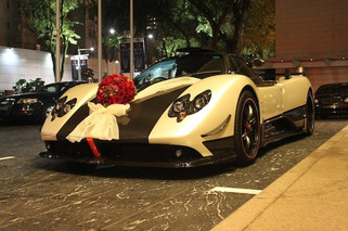 Just Married, In a Pagani Zonda Cinque