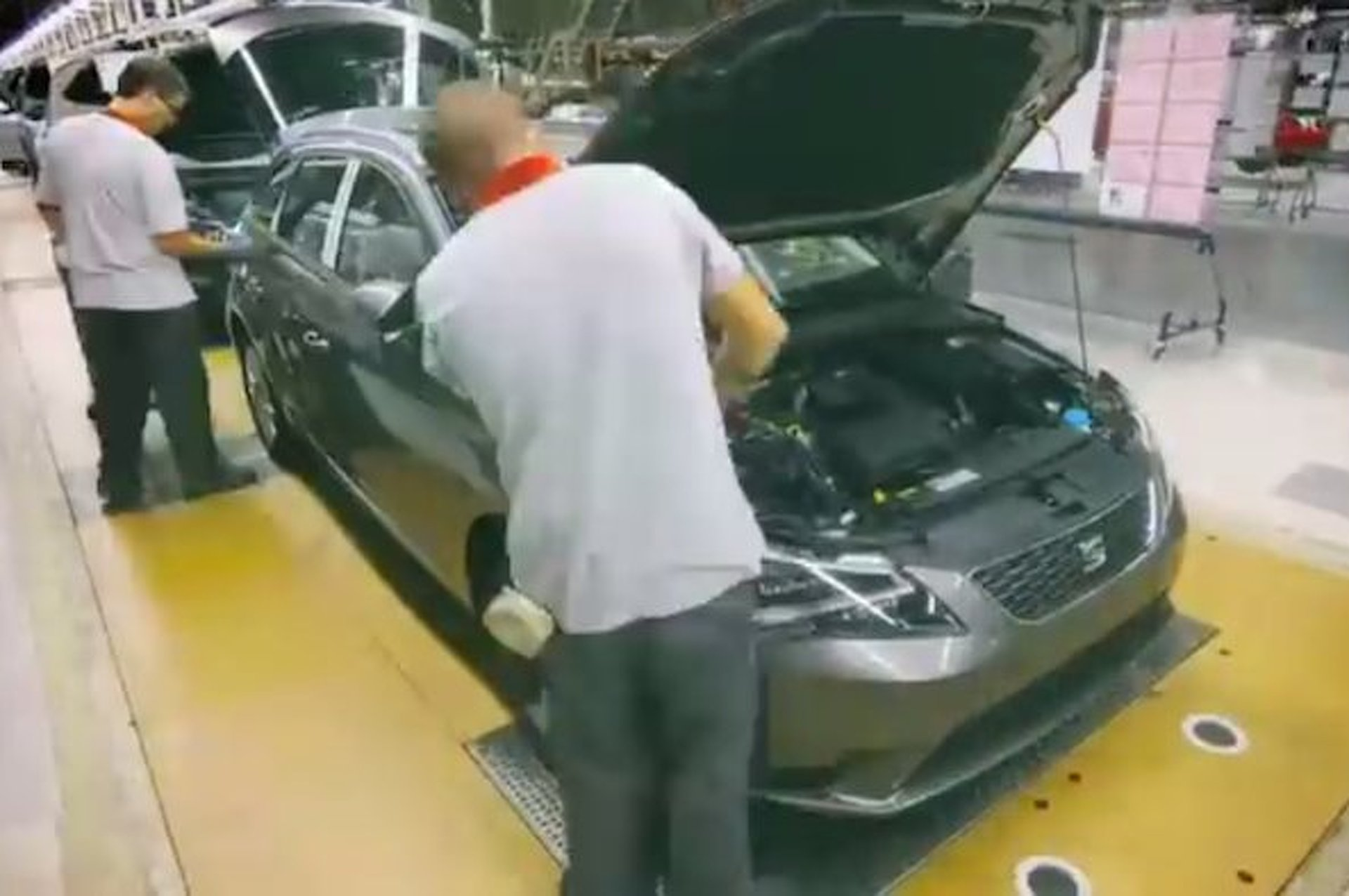 Watch a Car Get Built in Two Minutes [video]