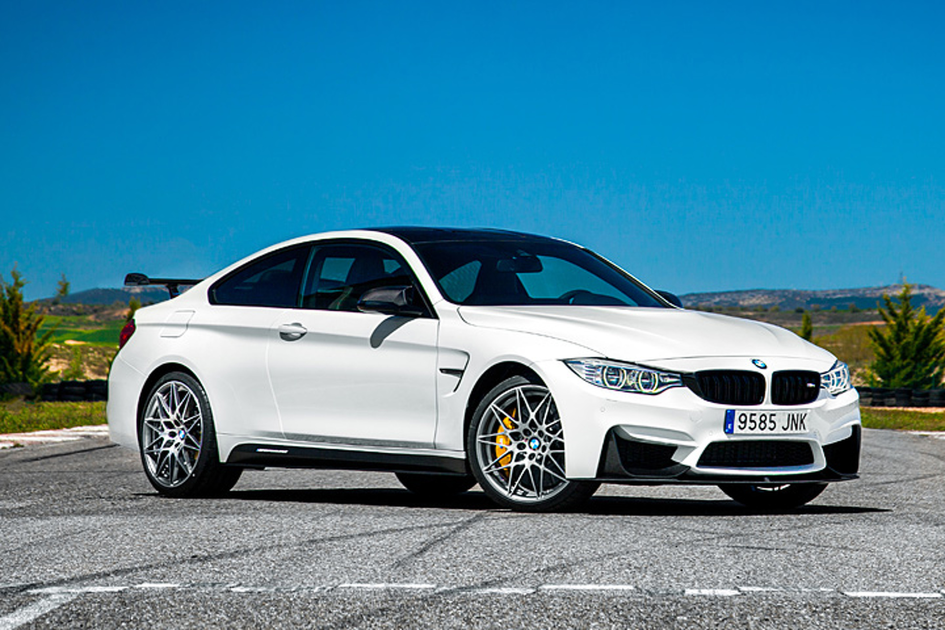 just 60 bmw m4 cs editions will be built and only for spain. Black Bedroom Furniture Sets. Home Design Ideas