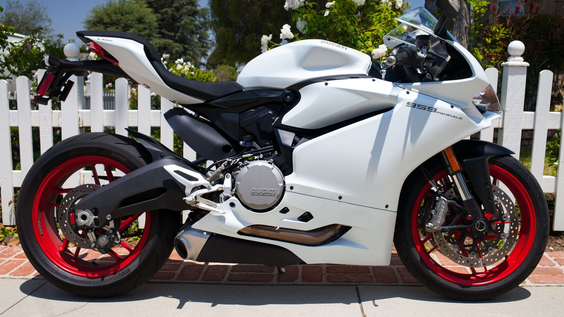 2016 ducati 959 panigale ride review. Black Bedroom Furniture Sets. Home Design Ideas