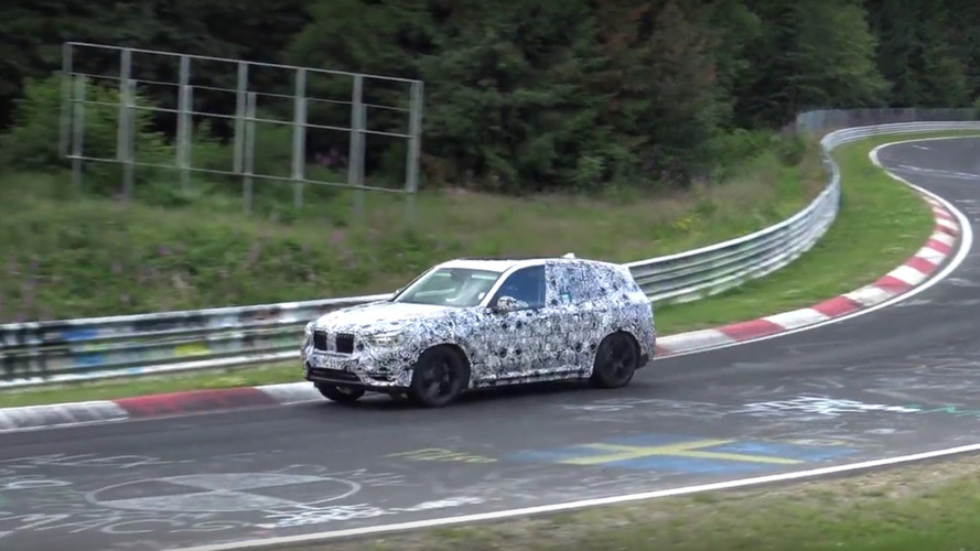 2018 BMW X3 screams on the Nürburgring