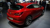 2013 Opel Astra VXR live in Geneva 06.03.2012