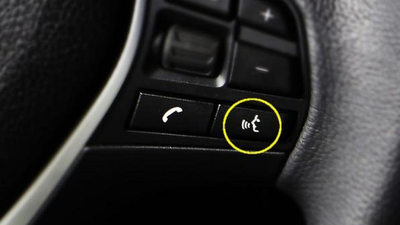 Apple Eyes Free Siri voice recognition car integration, 800, 12.06.2012