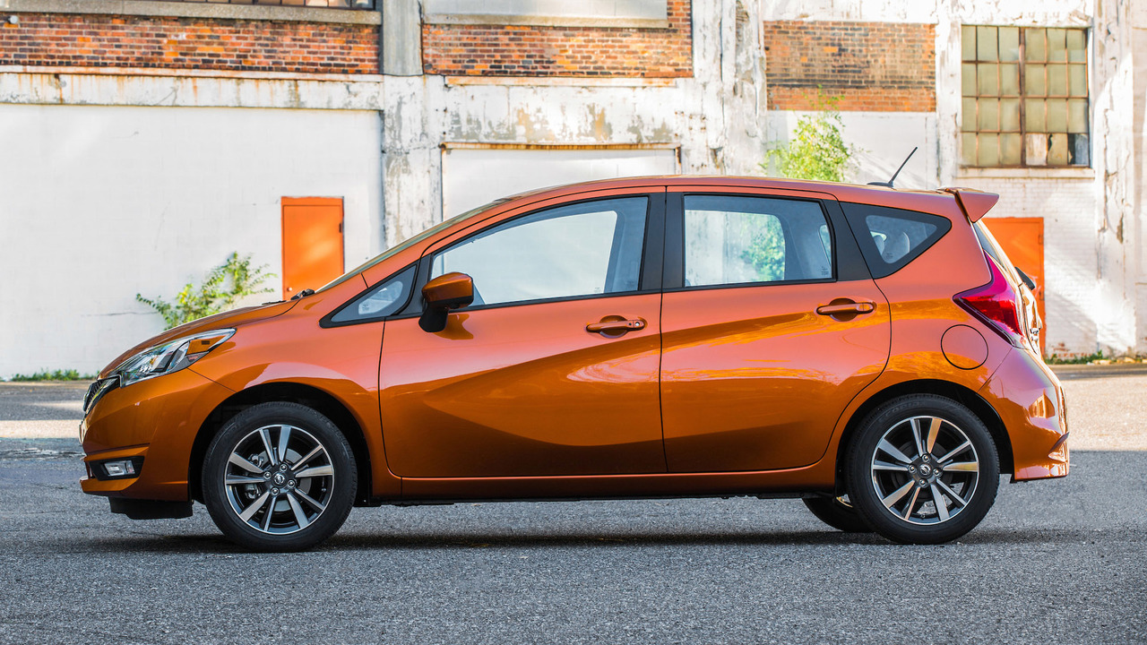 2016 - [Nissan] Note Facelift - Page 2 2017-nissan-versa-note
