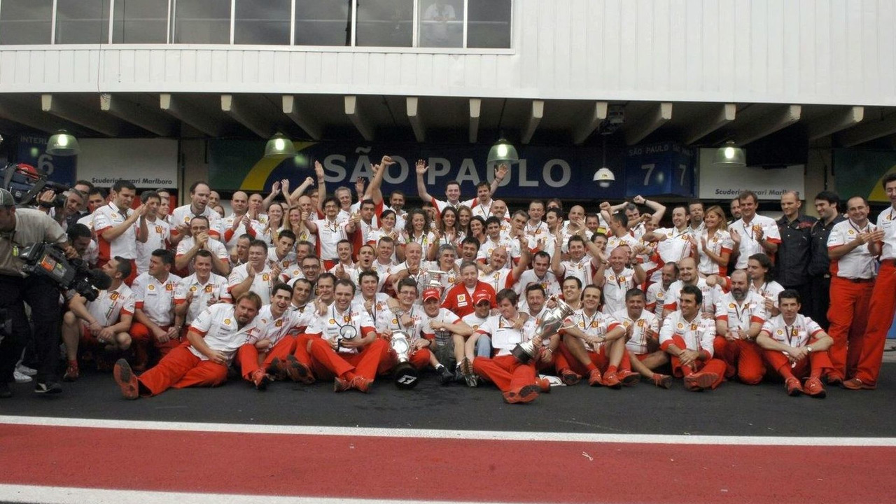 2006-2007 Ferrari team photo
