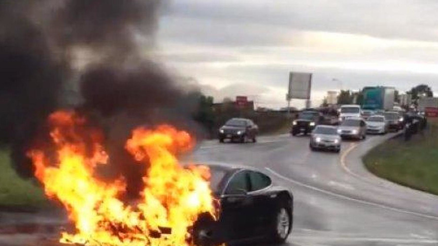 Tesla Model S catches fire [video]