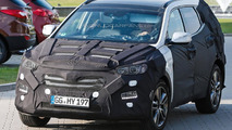 2015 Hyundai Santa Fe facelift spy photo