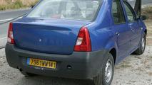 SPY PHOTOS: Renault Logan for British Isles