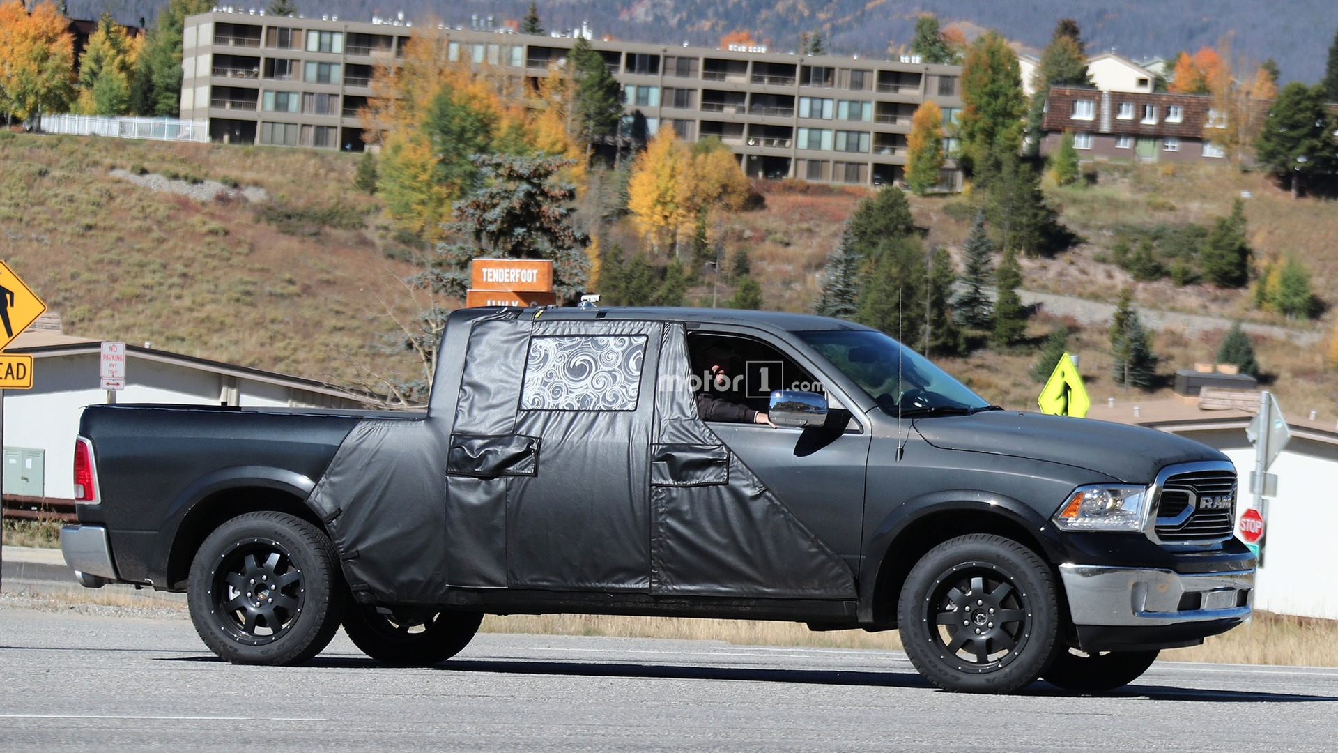 2018 ram mega cab test mule spied with larger cabin. Black Bedroom Furniture Sets. Home Design Ideas