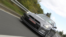2013 Nissan GT-R rockets to 100 km/h in 2.84 seconds [video]