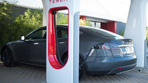 BMW & Tesla considering a collaboration, might involve Supercharger network - report
