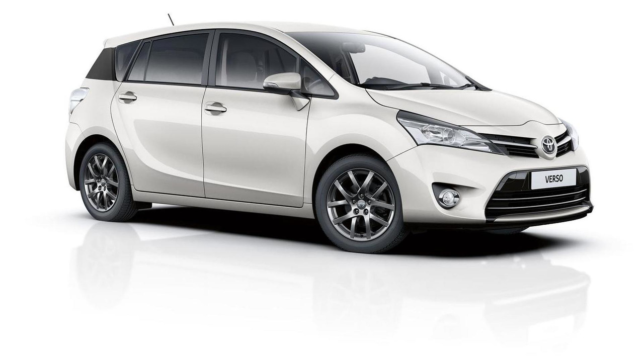 2015 Toyota Verso Trend Plus (UK-spec)