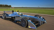 Spark-Renault SRT_01E Formula E race car hits the track for the first time [video]