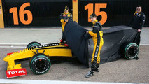 Renault R30 launch, Robert Kubica (POL), Vitaly Petrov (RUS), Valencia, Spain, 31.01.2010