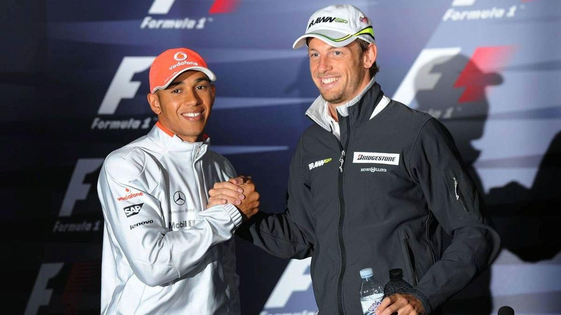 Button fuels talk of McLaren switch