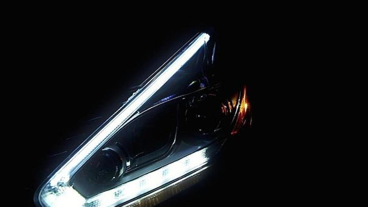 2015 Nissan Murano teaser image