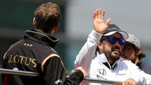 Alonso plays down Twitter insult saga
