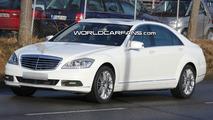 2010 Mercedes S-Class Facelift Spy Photo