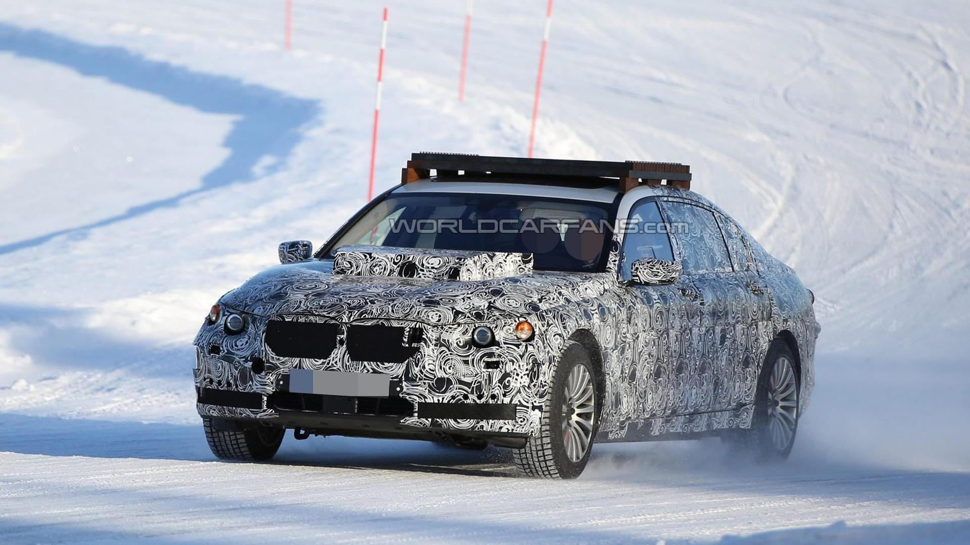 Possible BMW X7 chassis testing mule returns in an additional batch of spy images