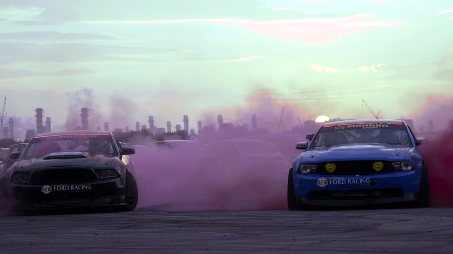 Drift duo set world record for biggest burnout