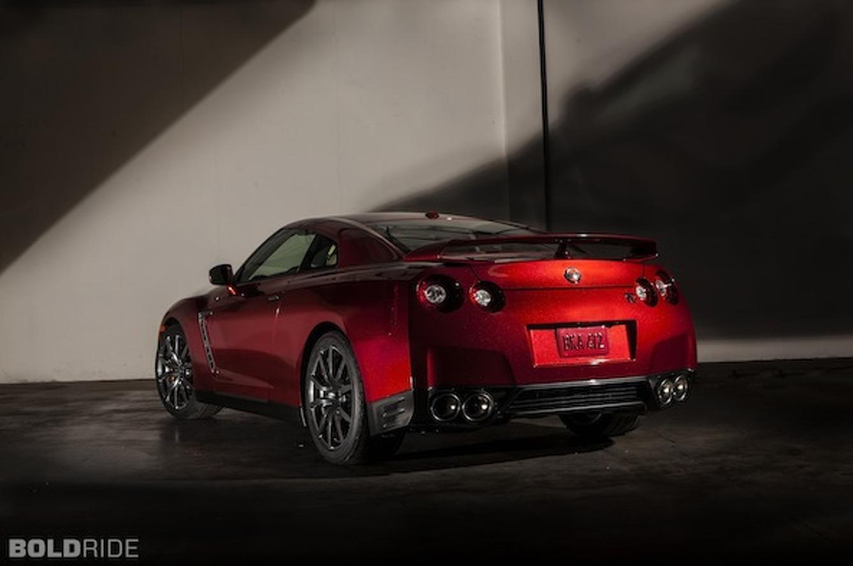 Wheels Wallpaper: 2015 Nissan GT-R