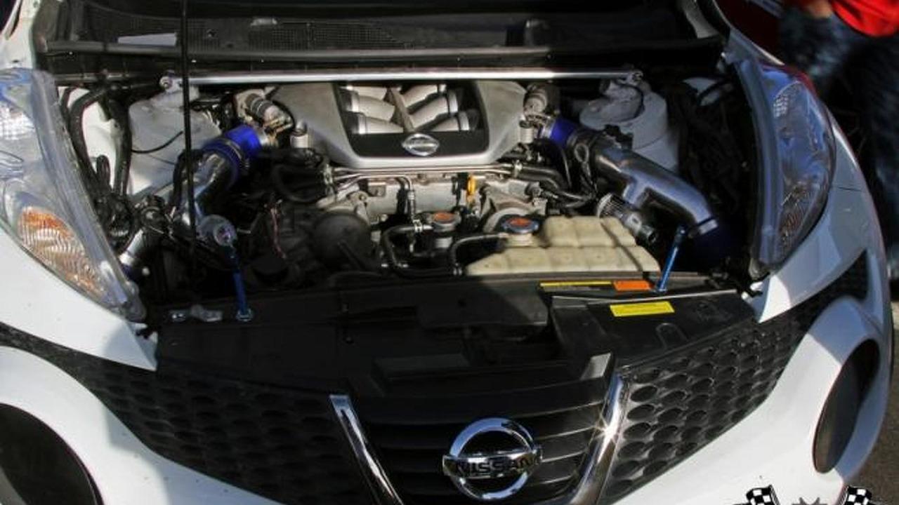 Custom nissan juke r gets 800 hp gt r engine video for Nissan juke with gtr motor