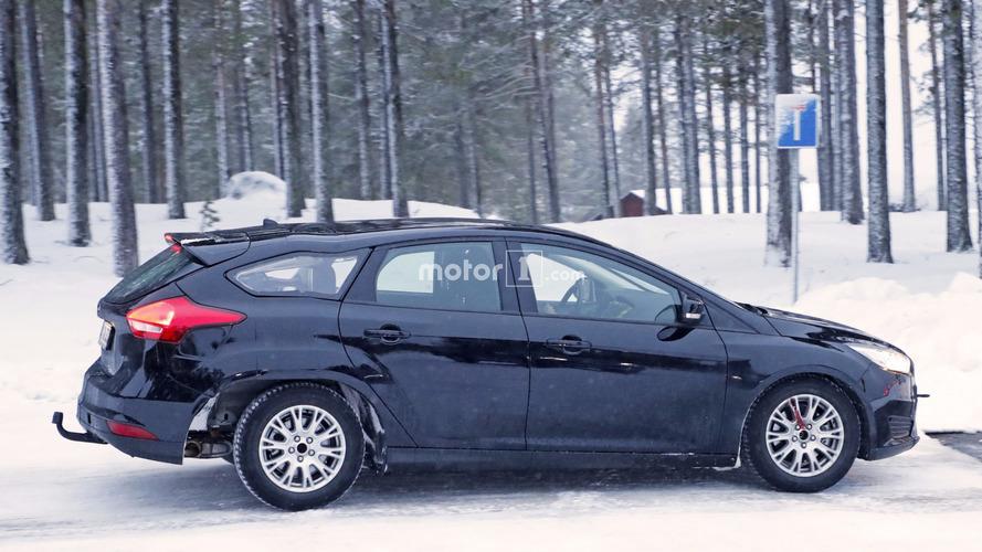 Photos espion - Elvis, l'improbable Ford Focus break