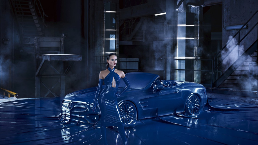 Mercedes vacuum seals SL-Class in latex for fashion [video]
