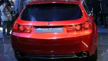 Honda present Accord Tourer Concept