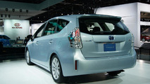 Toyota Prius v Concept live in Detroit 10.01.2011